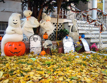 Unique ideas for halloween decorations the homesource for Decoration exterieur halloween