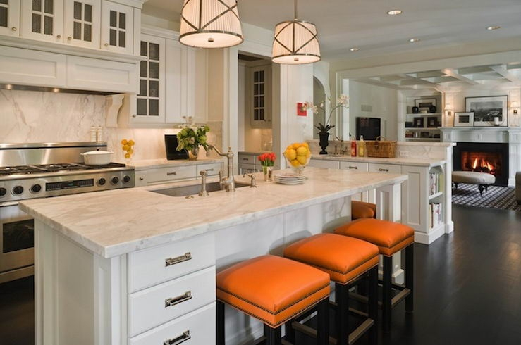 Things to consider when choosing kitchen cabinets the for Best thing to line kitchen cabinets