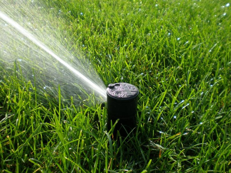 Lawn sprinkler heads