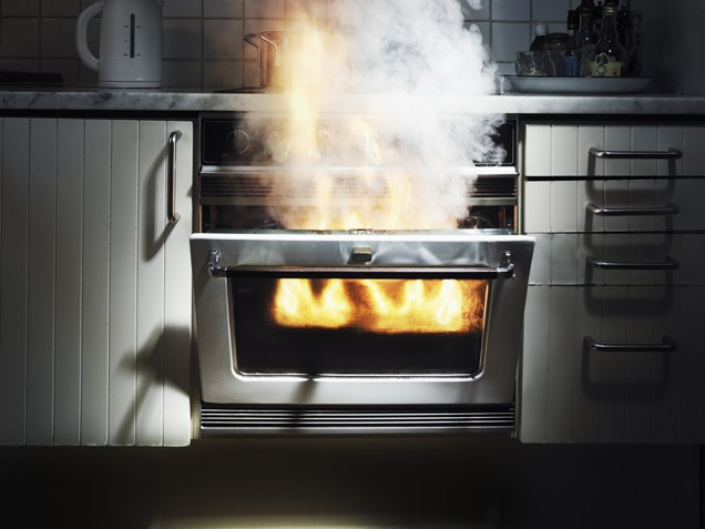 Avoid Pan Frying Disasters: 10 Tips to Prevent Kitchen Fires