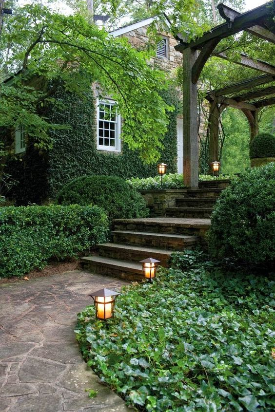 "5 Outside Lighting Options that Scream ""Spring!"""